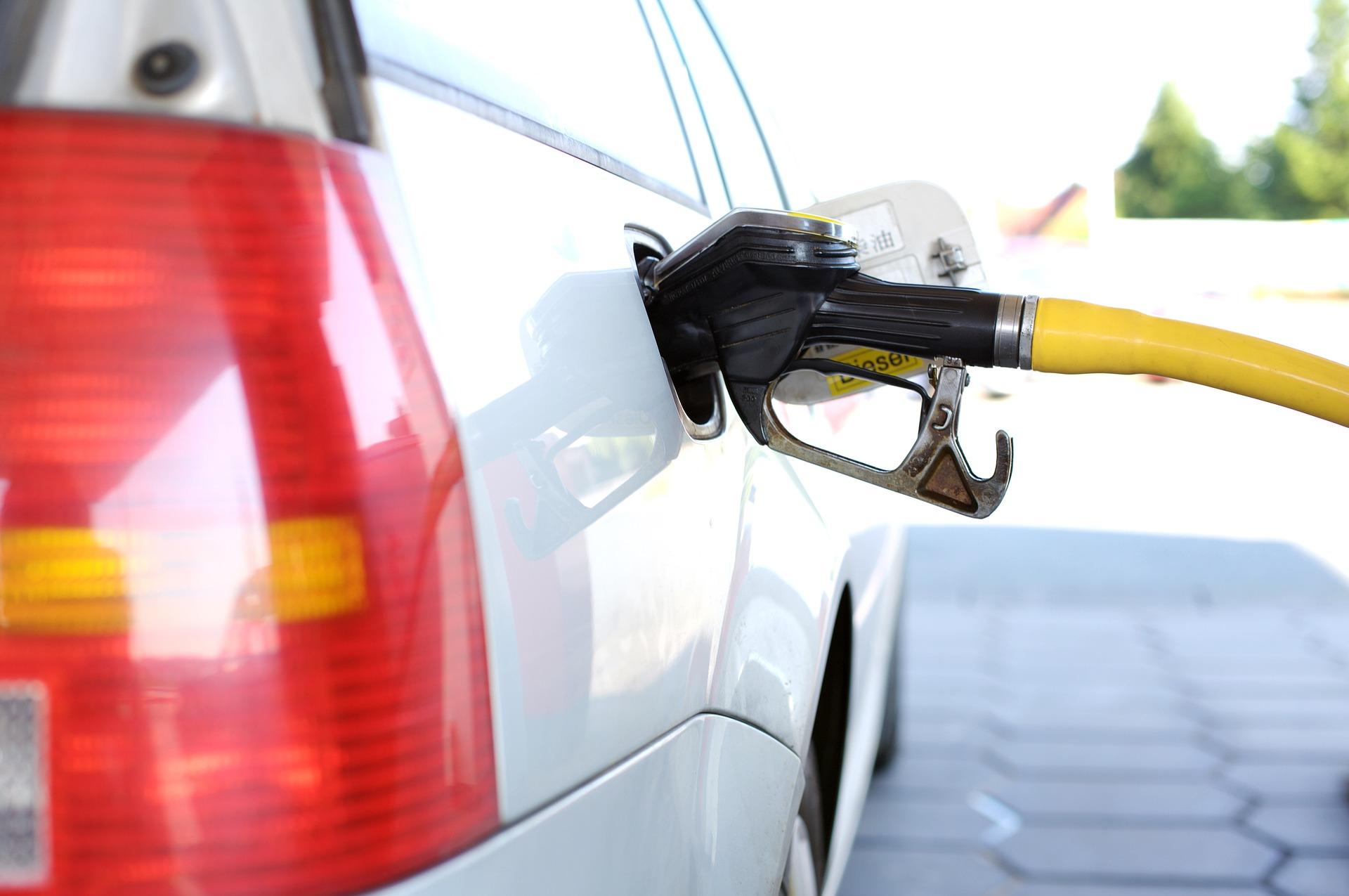 Preço médio da gasolina cai 1,08% na segunda semana de novembro