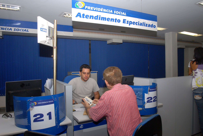 INSS incia pagamento de segunda parte do 13° salário para aposentados
