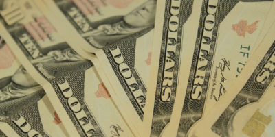 Dólar inicia o ano em queda de -1,683% e fica cotado a R$ 3,8096