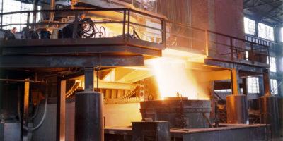 Ibovespa abre caindo com minério de ferro e PIB; Vale (VALE3) cai 3%