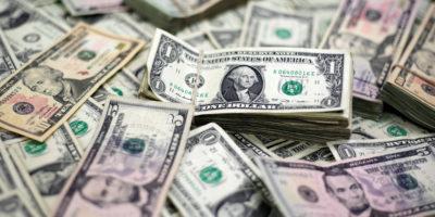 Dólar em queda após Banco Central Europeu inalterar as taxas de juros