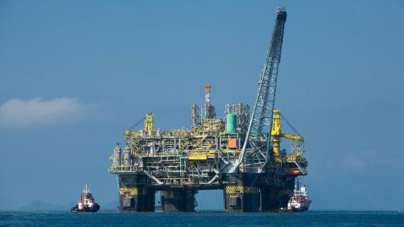 Petrobras (PETR4): produção de petróleo cai 5,4% em maio