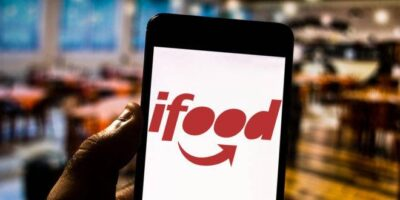 iFood e Rappi deverão pagar salário mínimo a entregadores afetados por Covid-19