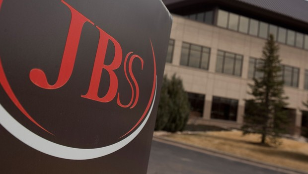 JBS (JBSS3): Justiça volta a interditar planta de Passo Fundo