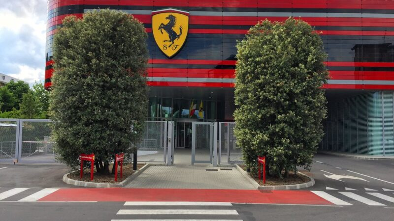 Ferrari produzirá maquinários de UTI contra coronavírus