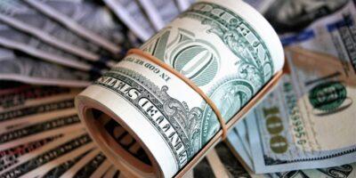 Dólar abre em queda de 0,34%, cotado a R$ 5,37 na venda