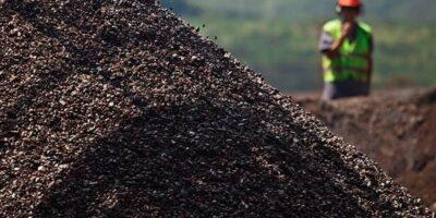 Ibovespa abre em alta de 2% com minério de ferro; Usiminas (USIM5) sobe 10%