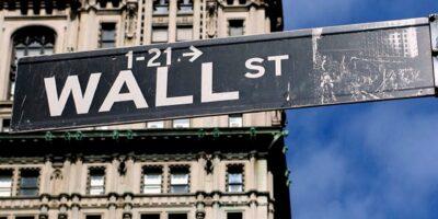 """S&P 500 cai 0,11%, com inflação dos EUA """"bem acima da meta"""", segundo o Fed"""