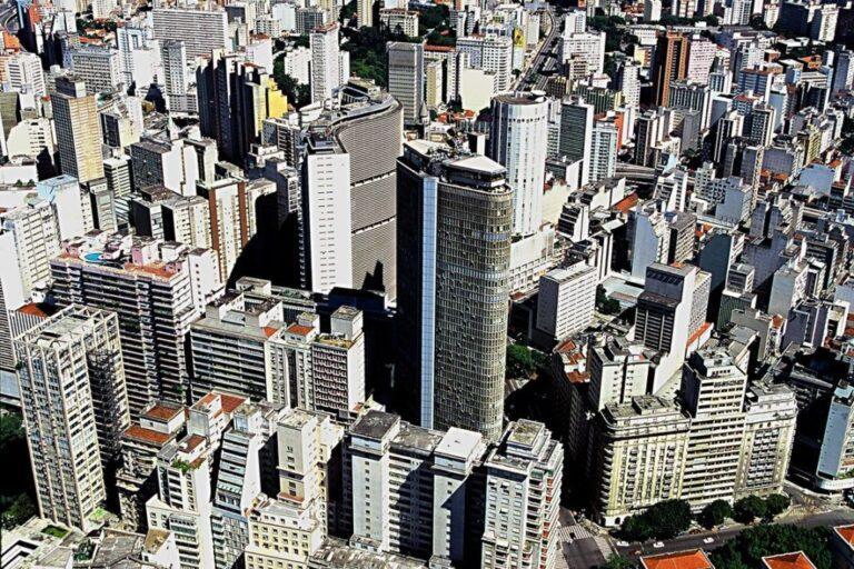 Noticia sobre A cota do Fundo de Investimento Imobiliário Valora CRI Índice de Preço (VGIP11) encerrou a sessão desta quinta-feira em queda de 0,81%, valendo R$ 112,20.