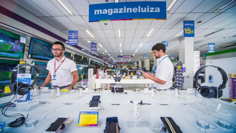 Magazine Luiza (MGLU3) se explica após tombo das ações; veja opiniões