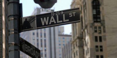 S&P 500 fecha em alta recorde com otimismo sobre aprovação do pacote de infraestrutura