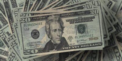 Dólar acentua a alta na tarde desta terça e é negociado acima dos R$ 5,40