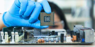 Chips são disputados globalmente em meio a escassez do produto