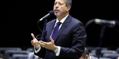 IOF foi decidido sem passar pelo Congresso, reclama Arthur Lira