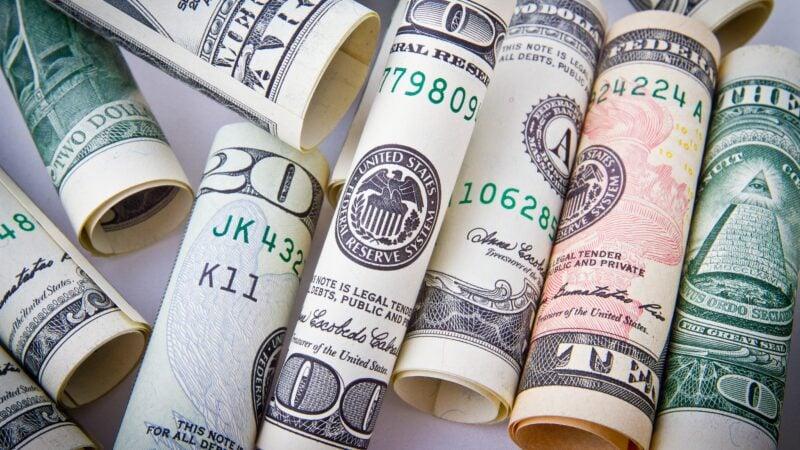 Dólar tem alta de 0,3%, negociado a R$ 5,25