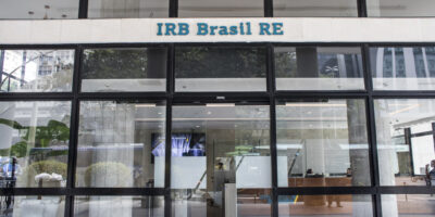 IRB (IRBR3) divulgará resultados após o pregão; veja a agenda de balanços da semana