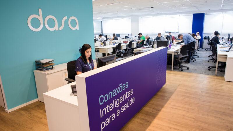 Dasa (DASA3) despenca 40% após definir preço de follow on a R$ 58