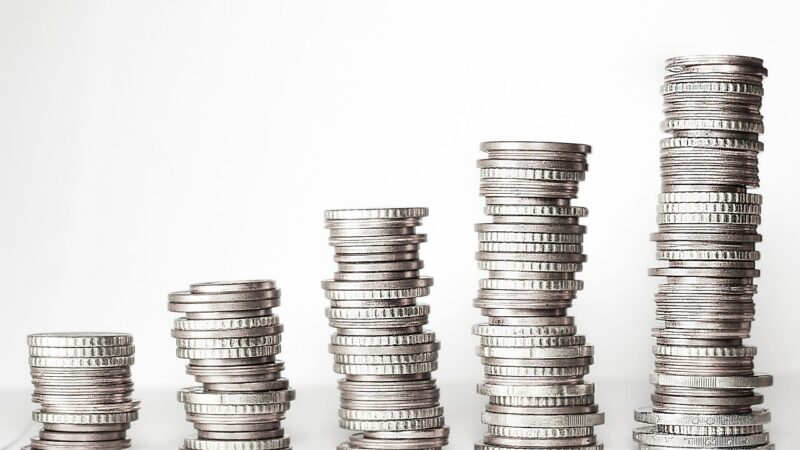Taxas do Tesouro Direto voltam a subir nesta sexta; Prefixado 2026 paga 10,26%