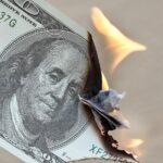 Dólar recua 1,11% com leilões do BC e tem maior queda em duas semanas