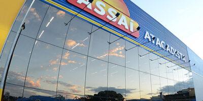 Assaí (ASAI3) pagou caro por lojas e errou ao não envolver minoritários, diz BBA