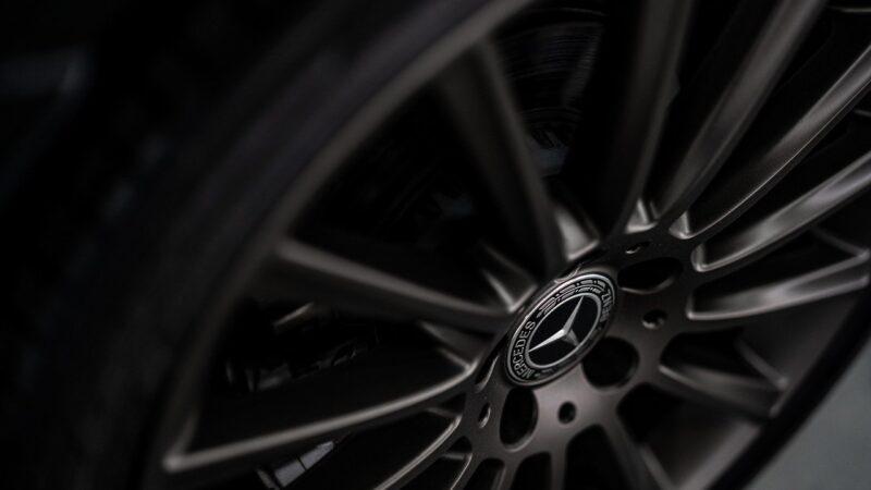 Daimler Truck, dona da Mercedes, quer rentabilidade de dois dígitos