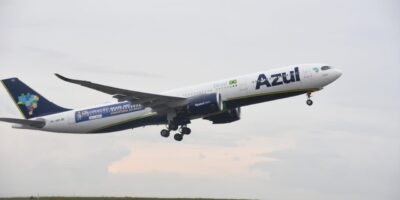 Azul (AZUL4) retorna a quatro cidades e expande para mais 11 destinos no Paraná