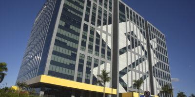 Banco do Brasil (BBAS3): Fitch reafirma rating BB- com perspectiva negativa