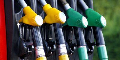 Preço da gasolina chega a R$ 7,49 e gás de cozinha alcança R$ 135, diz ANP
