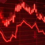 Ibovespa recua mais de 2% com cautela nos EUA e baixa do minério; Banco Inter (BIDI11) tomba 10%