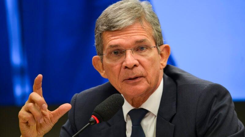 Petrobras (PETR4) não repassa volatilidade do petróleo ao preço dos combustíveis, diz Silva e Luna