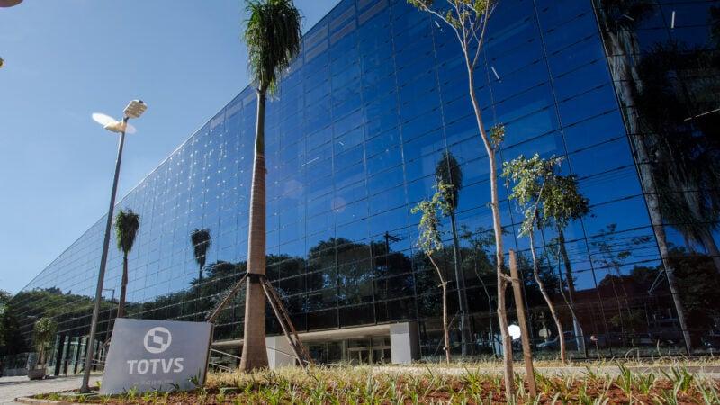 Totvs (TOTS3) lucra R$ 78,643 milhões, mas dívida salta para R$ 1,059 bilhão em um ano
