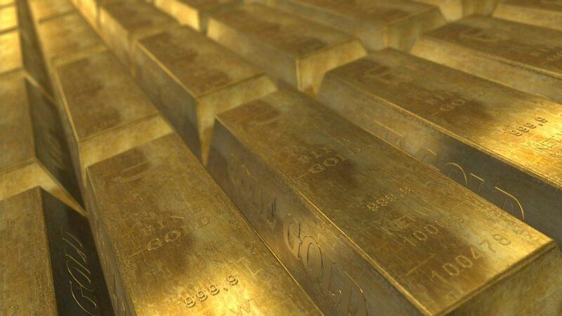 Ouro fecha em queda, pressionado por dólar forte após dados econômicos nos EUA