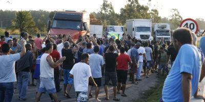 Greve dos caminhoneiros: dez estados registram concentrações; quatro têm protestos isolados