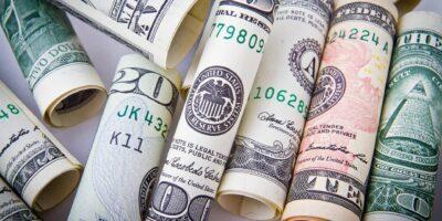 Dólar opera em leve alta de 0,1% em dia de Super Quarta