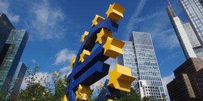 BCE firma meta de 2% para inflação ao revisar política monetária