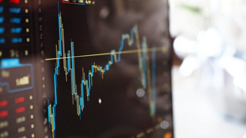 Europa: Bolsas fecham em alta, com balanços positivos no radar