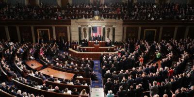 Democratas aprovam suspensão de teto de dívida nos EUA; medida segue para o Senado
