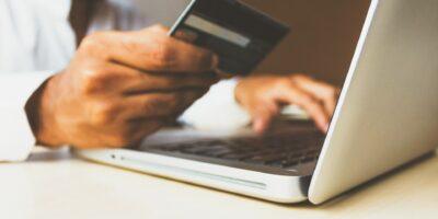 E-commerce mais que dobra e representa 21% das vendas no Brasil