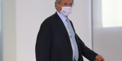 FMI deve ampliar financiamento a países pobres, afirma Guedes
